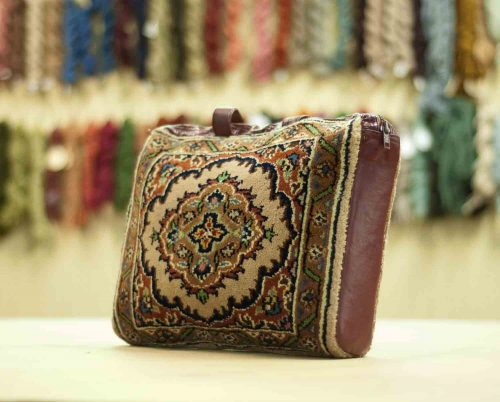 1×1 Tabriz Beige Oriental Carpet Bag 033413